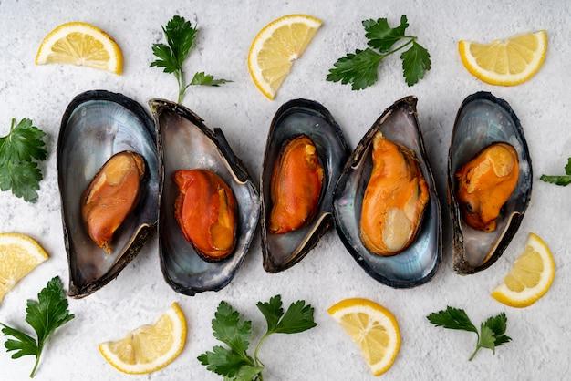 ムール貝とハーブ