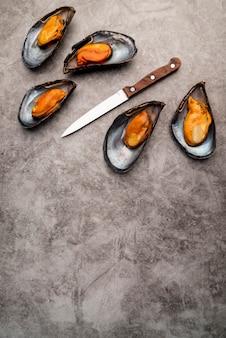 コピースペースで調理された地中海のムール貝