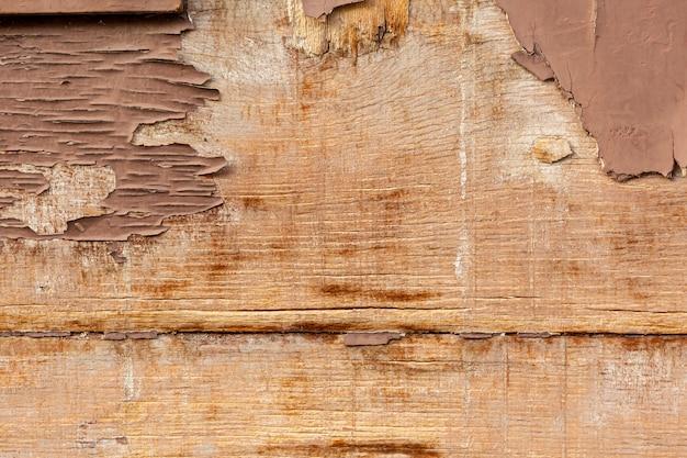 Измельчение древесины на состаренной поверхности