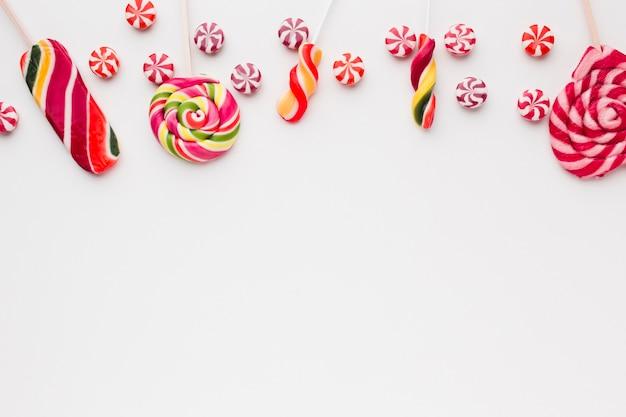 Вкусные леденцы и конфеты с копией пространства