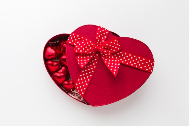 かわいいリボンが付いた素敵なキャンディーボックス