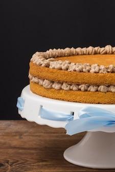 Вкусный торт с шоколадно-взбитыми сливками