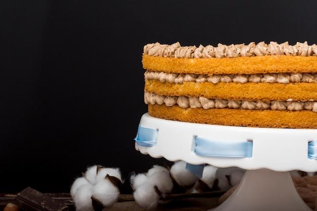 青いリボンでおいしいケーキ