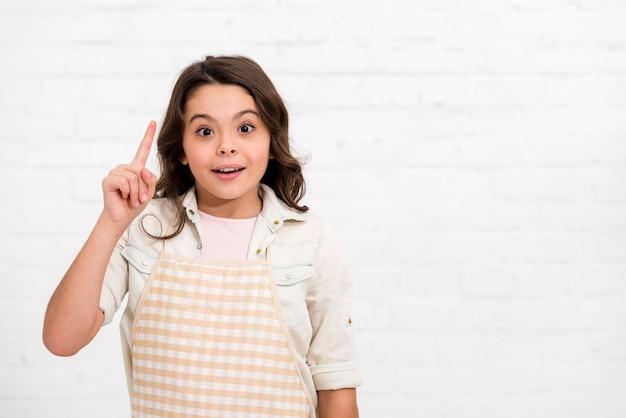 Маленькая девочка с идеей с копией пространства