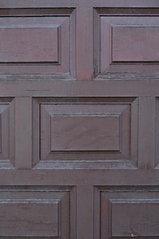 Деревянная поверхность с геометрическим рисунком