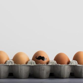 Макро букет пасхальных яиц с росписью