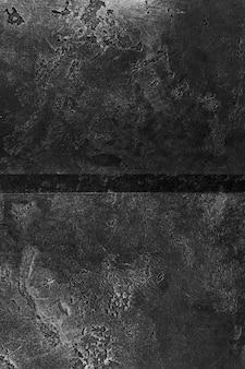 粗い外観の暗いスレート表面