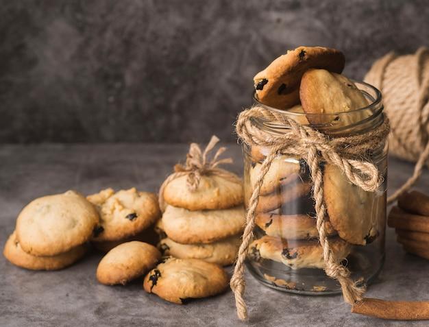 Вкусные шоколадные печенья крупным планом