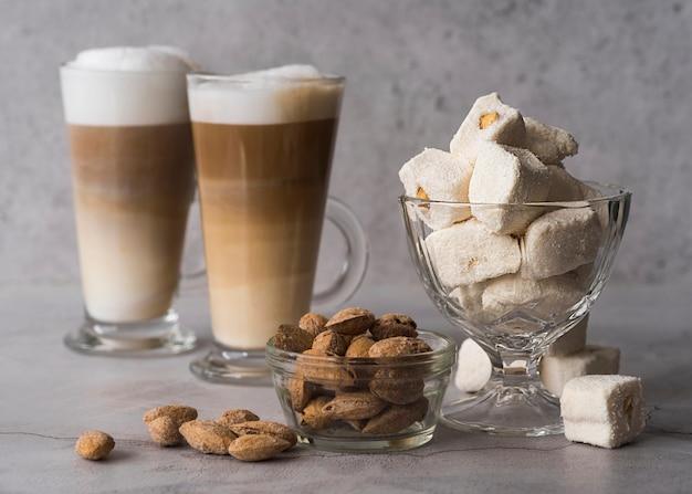 Вид спереди домашний десерт с кофе