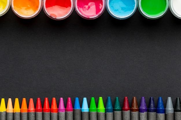 Вид сверху красочной краской с копией пространства