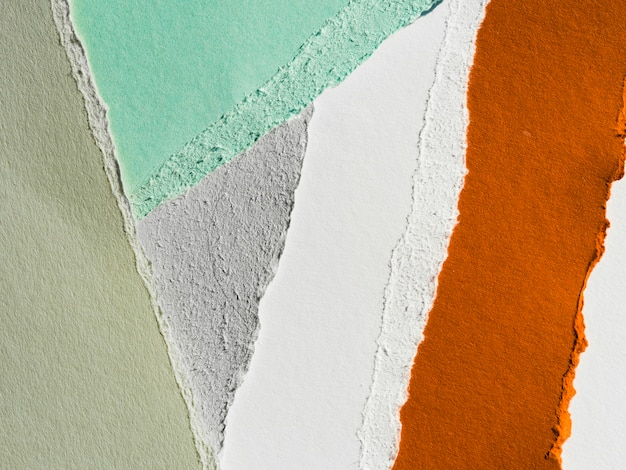 Разноцветная разорванная бумага