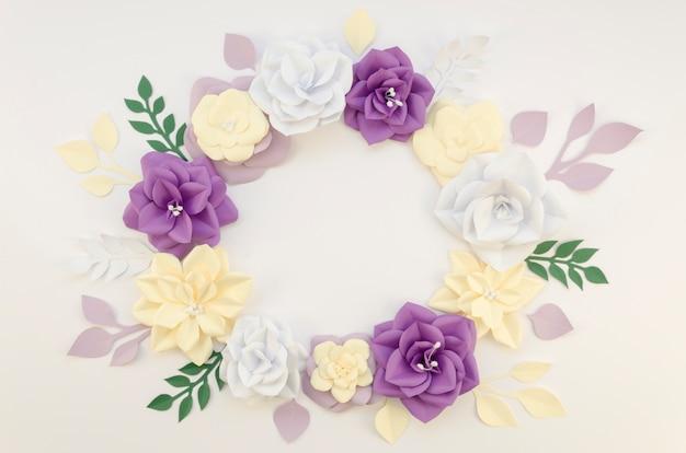 花の円形フレームと創造性の概念