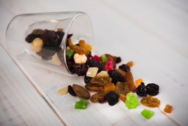 Орехи крупным планом с конфетами