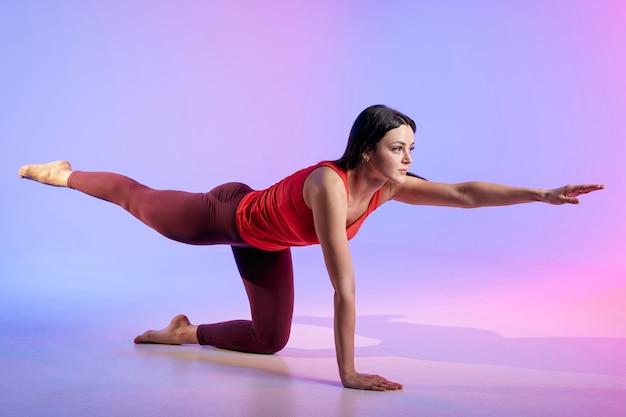 Женская тренировка под большим углом
