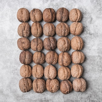 Вид сверху расположения орехов