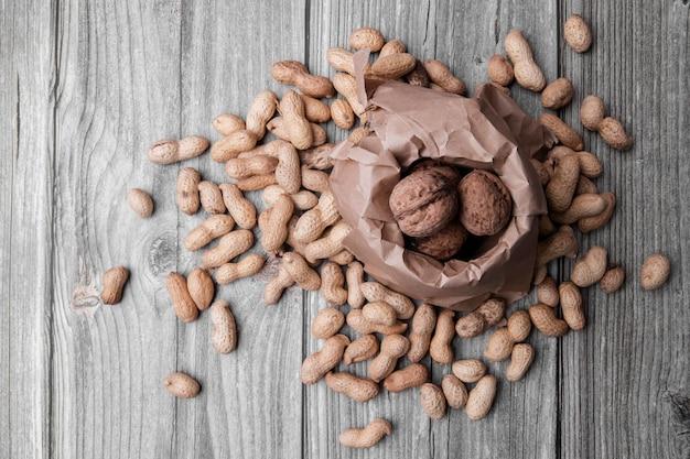 Вид сверху концепции расположения орехов