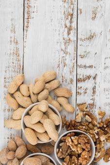 Плоское расположение орехов с копией пространства