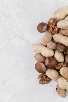 Крупным планом вид орехов концепции