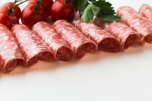 チェリートマトとクローズアップのおいしい肉