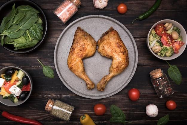 食材をトレイに平干し鶏
