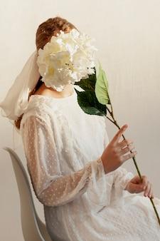花とポーズのモデル