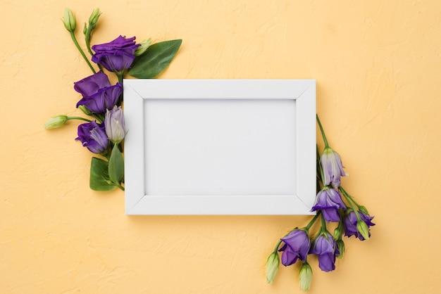 Вид сверху рамка с цветами