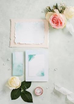 Вид сверху свадебного приглашения