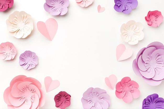 Вид сверху рамки цветочного бумажного орнамента