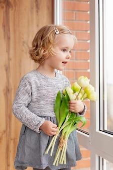 花とかわいい女の子
