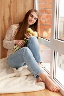 花と高角の美しい少女
