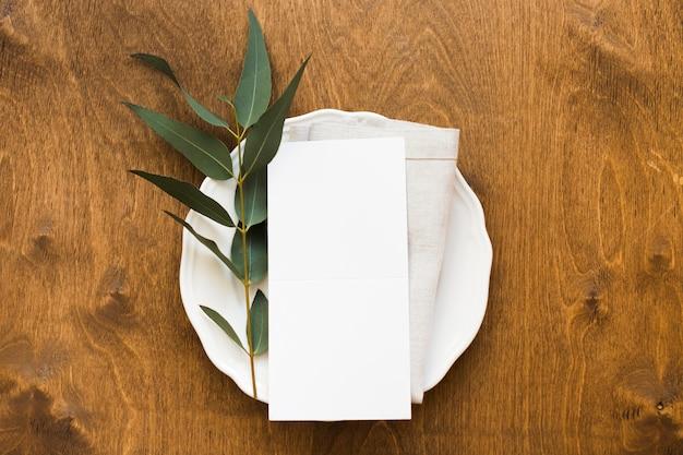 トップビューの結婚式のテーブルの配置