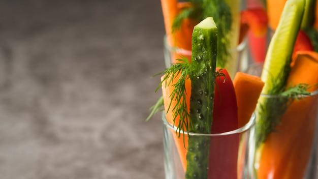野菜とクローズアップグラス
