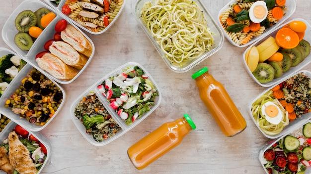Вид сверху на расположение здоровой пищи