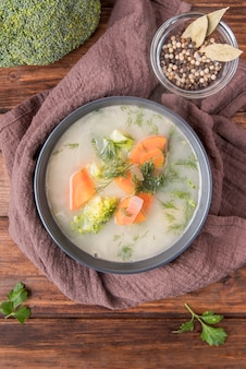 新鮮な自家製ブロッコリースープ