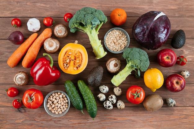 Вид сверху много овощей