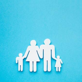 クローズアップペーパーカット家族概念