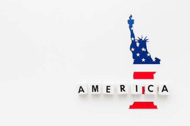 Плоская планировка статуи свободы с копией пространства на день независимости