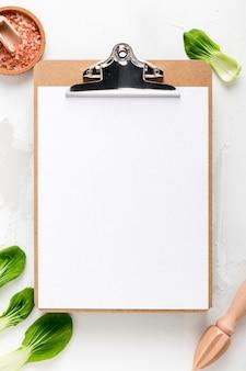 Плоская планировка пустого меню с листьями