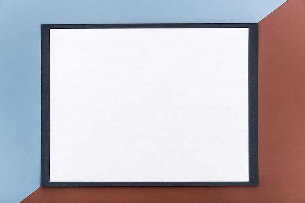 空白のシンプルなメニュー用紙のフラットレイアウト