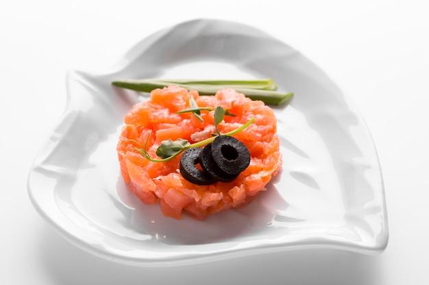 ハイアングルのおいしい魚の食事