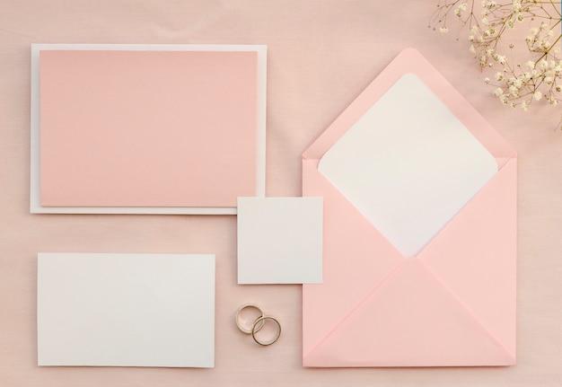 ピンクのウェディングステーショナリーパック