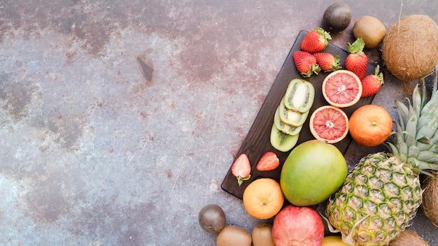 コピースペースを持つ平面図おいしい果物