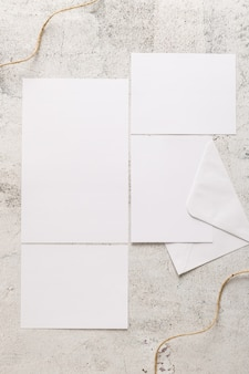 コピースペースと結婚式の招待状のフラットレイアウト
