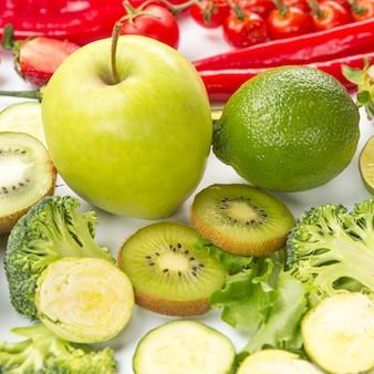 緑の健康的なフルーツの高いビュー