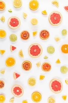 新鮮な果物の平らなスライス