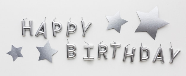 С днем рождения с серебряной концепцией