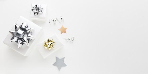Вид сверху подарки с копией пространства