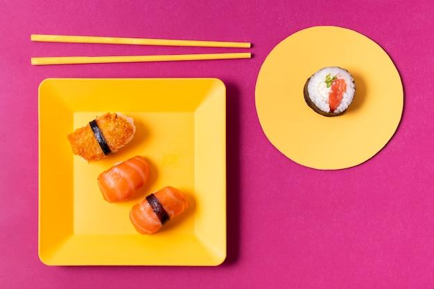 Роллы из лосося с суши