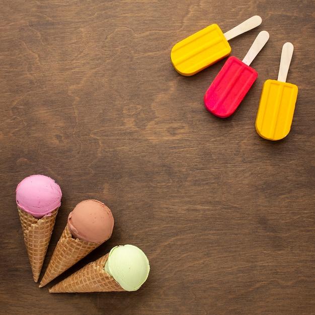 Ароматное мороженое на шишках и палочках