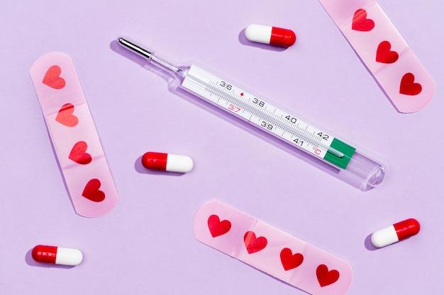 薬の横にある注射器